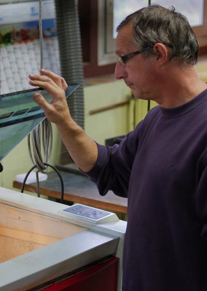 Savoir faire de Carrier SAS dans la fabrication de branches et manchons de lunettes.